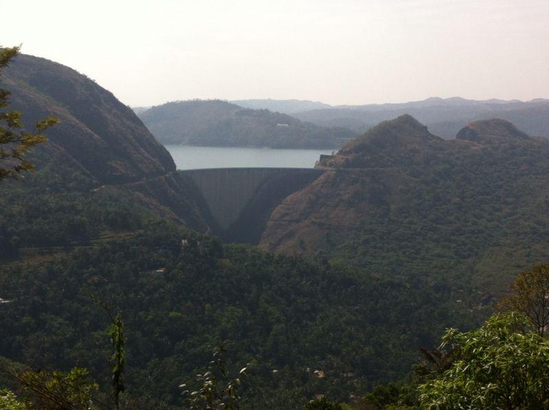 idukki-dam-from-narakakkanam